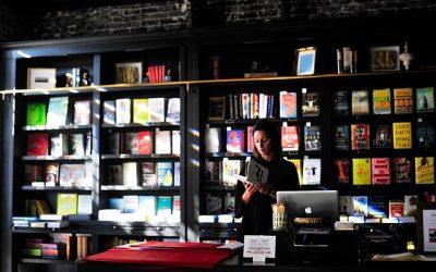 Je boek verkopen via de boekhandel? Zo doe je dat!